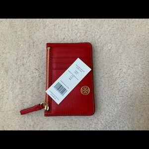 NWT TORY BURCH WALKER TOP ZIP CARD CASE IN RED